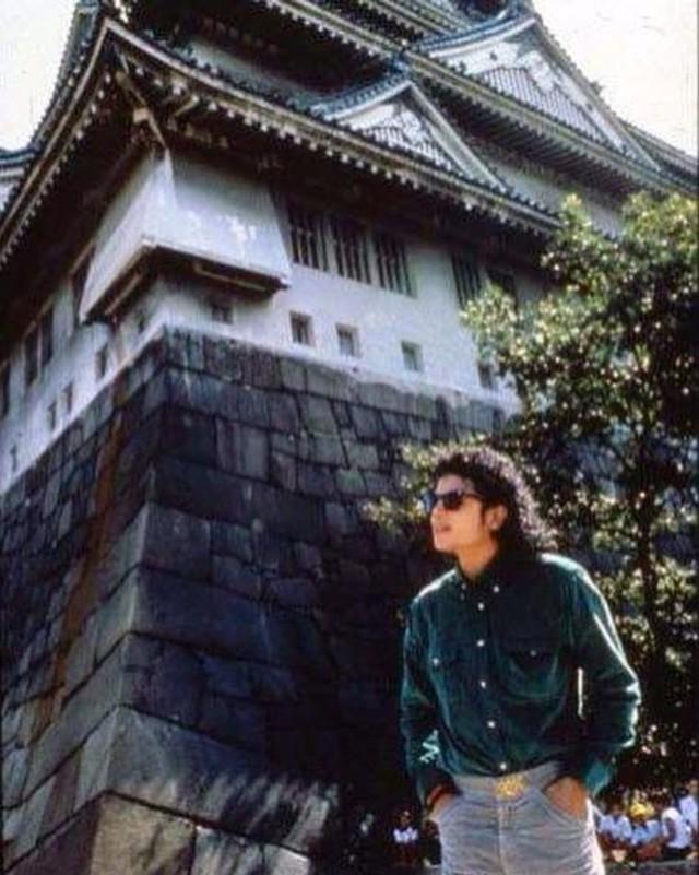 Foto: Mengenang Kisah Hidup Raja Pop Michael Jackson (56834)