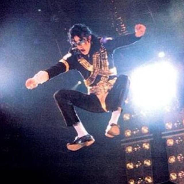 Foto: Mengenang Kisah Hidup Raja Pop Michael Jackson (56837)