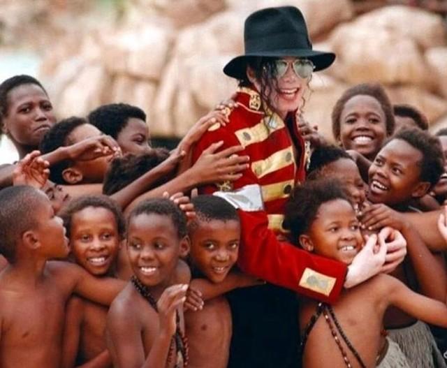 Foto: Mengenang Kisah Hidup Raja Pop Michael Jackson (56830)