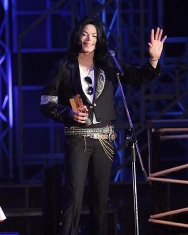 Foto: Mengenang Kisah Hidup Raja Pop Michael Jackson (56823)