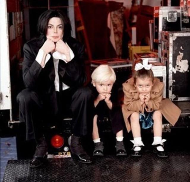 Foto: Mengenang Kisah Hidup Raja Pop Michael Jackson (56826)