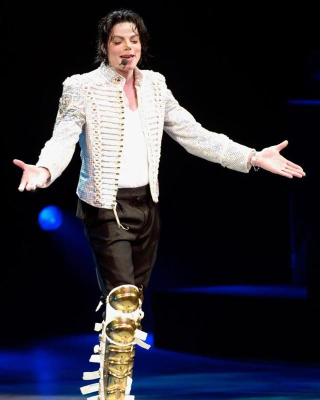 Foto: Mengenang Kisah Hidup Raja Pop Michael Jackson (56817)