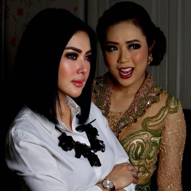 Syahrini bersama Soimah (NOT COVER)