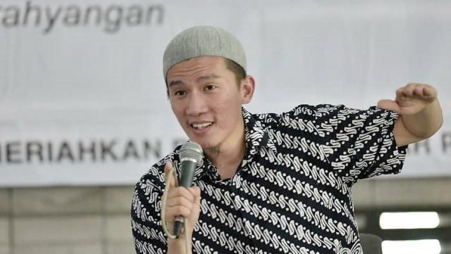 Ustaz, Felix Siauw