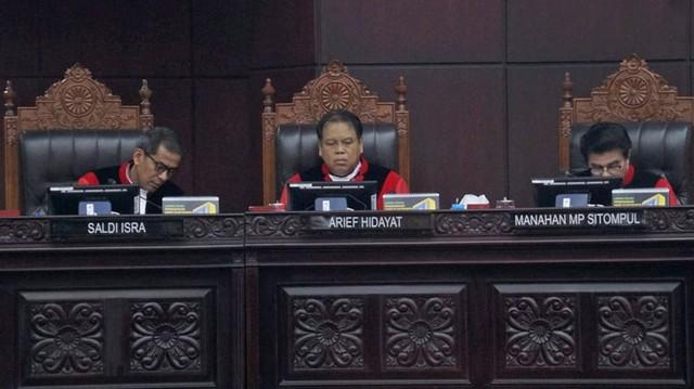 MK: Dalil 02 soal Penyalahgunaan APBN dan Program Pemerintah Tak Jelas (43379)