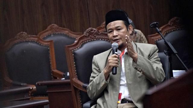 Setengah Hati Menangkan Gugatan Prabowo-Sandi (166122)