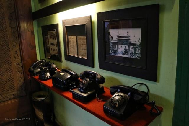 Rumah Makan Inggil, Resto Unik Berpadu Museum Benda Antik (230849)