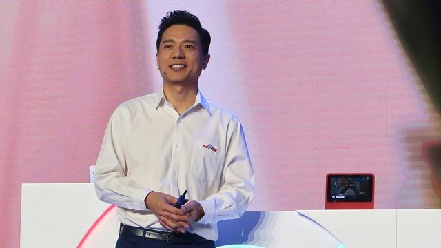 CEO Baidu Disiram Air saat Presentasi soal Kecerdasan Buatan (735028)