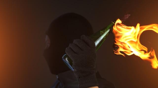 Polisi Dalami Motif Pria Lempar Molotov ke Masjid di Cengkareng (368952)