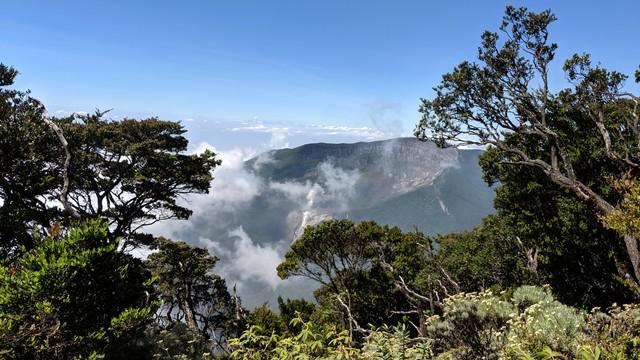 kumparan Vekesyen ke Gunung Gede Pangrango