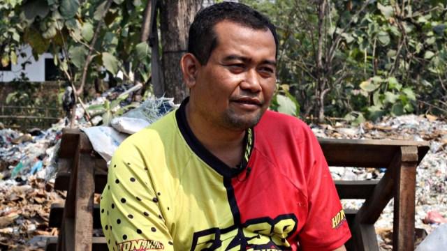 Lipsus sampah Impor, Edi Junaedi, warga Tamanmekar, Karawang yang menampung sampah impor