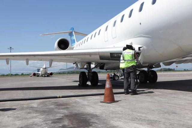 com-Bahan bakar Avtur untuk pesawat