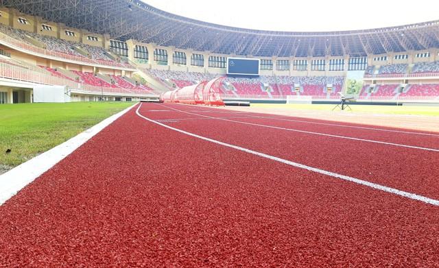 Lintasan lari bagi atletik di dalam Stadion Utama Papua Bangkit di Kabupaten Jayapura-Foto Imelda.jpg