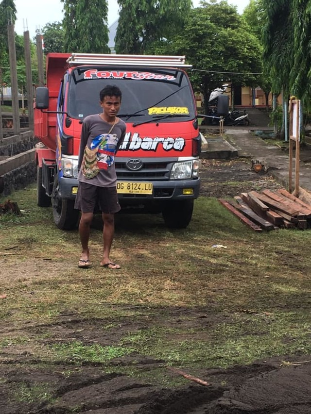 Cerita Rafdi, Anak Wakil Wali Kota Tidore yang Jadi Kuli Bangunan (226992)