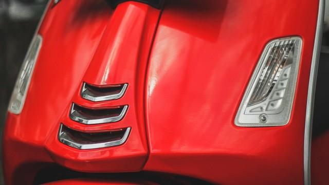 Test Ride Vespa GTS 150 Super: Keluarga Bongsor Vespa yang Lincah (488595)