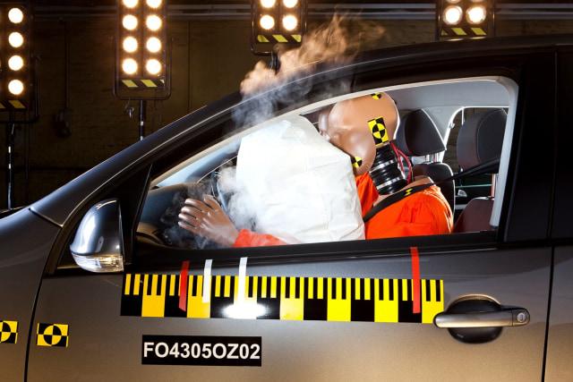 Gampang, Begini Cara Cek Airbag Mobil Bekas Berfungsi atau Tidak (8368)
