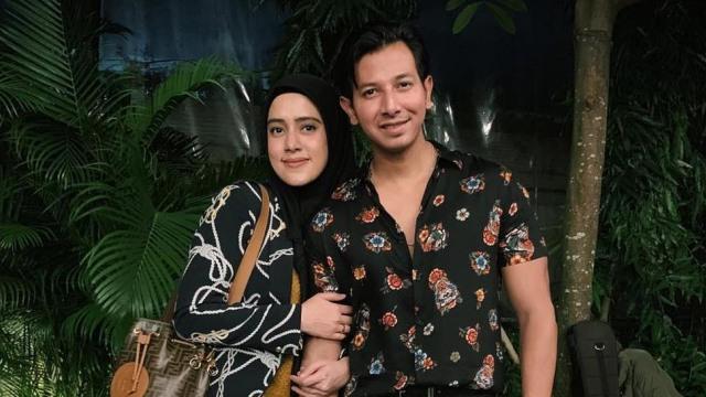Fairuz A Rafiq dan suaminya, Sonny Septian