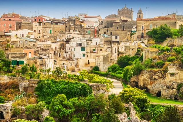 Intip Pulau Kecil di Italia yang Jadi Lokasi Syuting Film James Bond (128413)