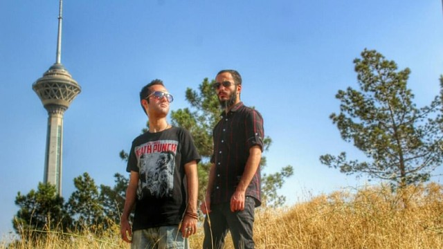 Band metal asal Iran, Confess