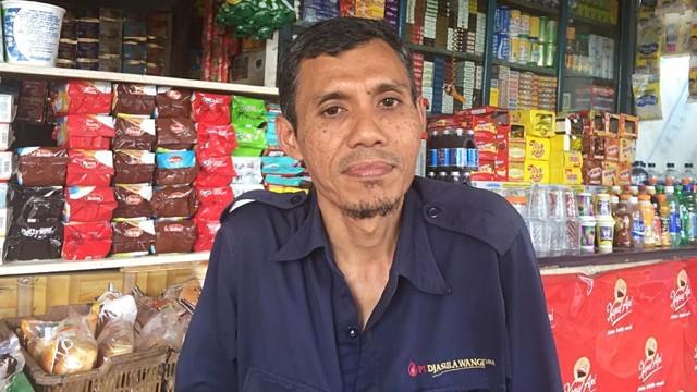 Uyoh Hidayatullah, warga di dekat lokasi tiang proyek tol BORR Ambruk