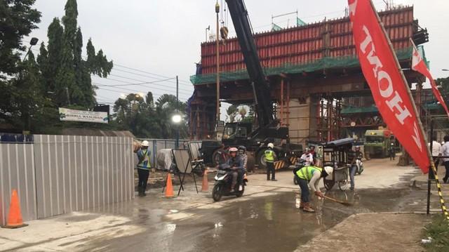 Jl Sholeh Iskandar, lokasi ambruknya tiang tol BORR, sudah dibuka.