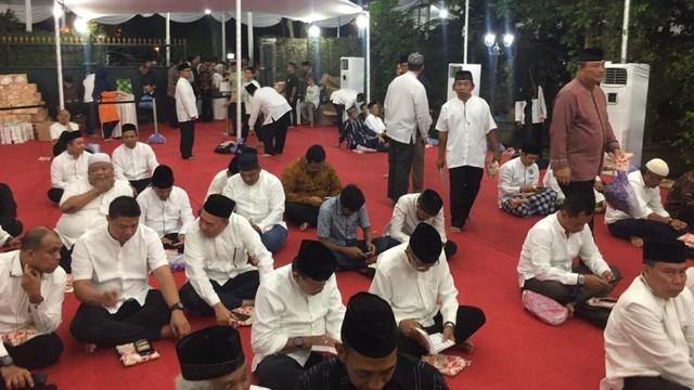 Suasana Tahlilan 40 hari Almarhumah Ani Yudhoyono