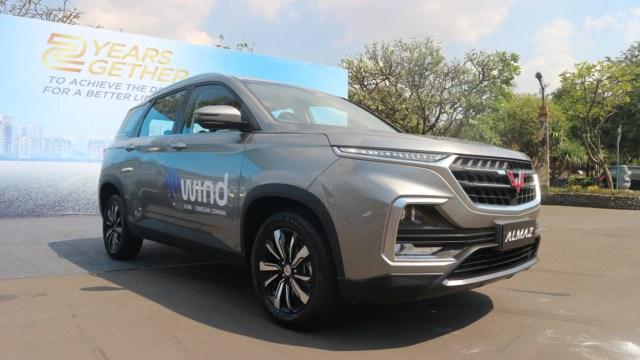 Wuling Almaz 7-penumpang dengan fitur WIND