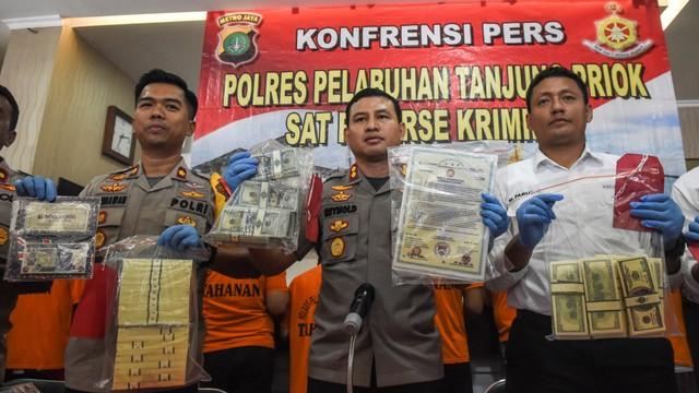pemalsuan mata uang asing, Polres Pelabuhan Tanjung Priok, Kapolres Pelabuhan Tanjung Priok AKBP Reynold Elisa P