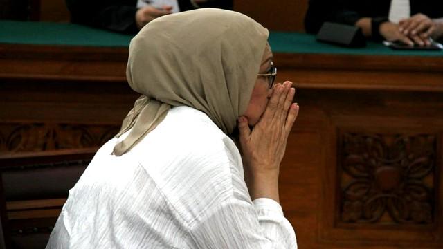Terdakwa kasus dugaan penyebaran berita bohong atau hoaks Ratna Sarumpaet, sidang putusan di Pengadilan Negeri Jakarta