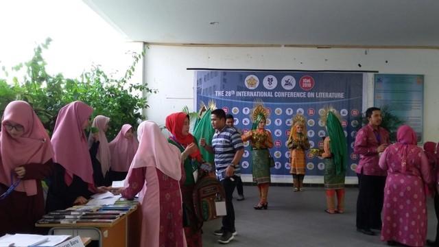 Pegiat Sastra Mancanegara Ikut Bahas Kesusastraan Indonesia di Aceh (595697)