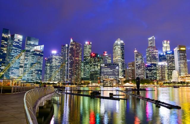 com-Business District Singapore.