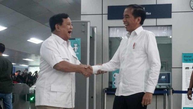 Foto: 80 Menit Pertemuan Jokowi-Prabowo (85651)