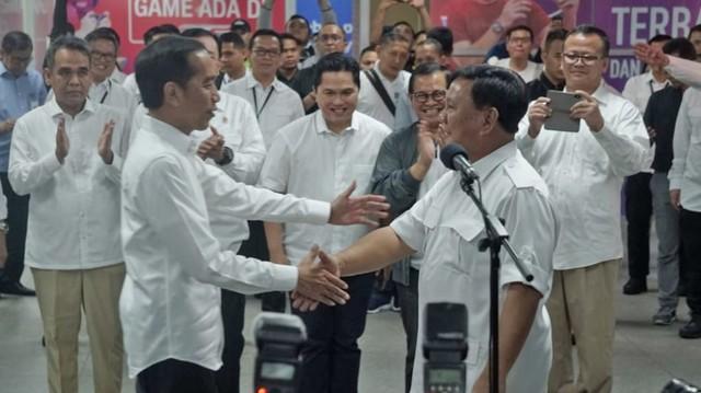 Foto: 80 Menit Pertemuan Jokowi-Prabowo (85659)
