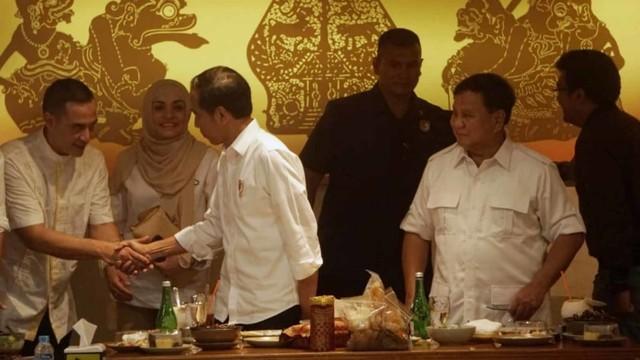Foto: 80 Menit Pertemuan Jokowi-Prabowo (85668)