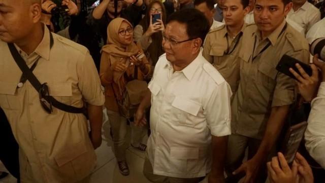 Foto: 80 Menit Pertemuan Jokowi-Prabowo (85669)
