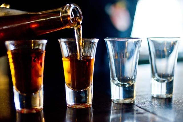 alcohol-2275837_960_720.jpg