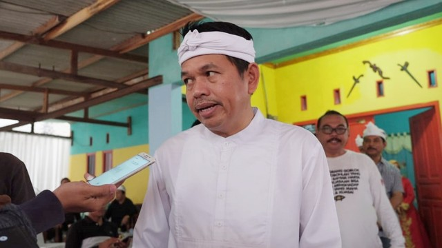 Karawang, Dedi Mulyadi, syukuran pertemuan Jokowi dan Prabowo
