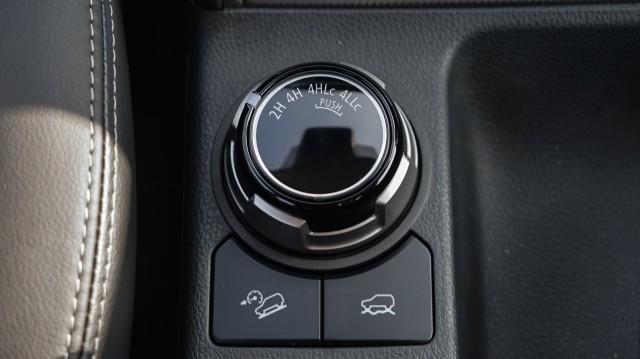 Mitsubishi Triton: Spesifikasi, Fitur, Harga, dan Skema Kredit (82171)