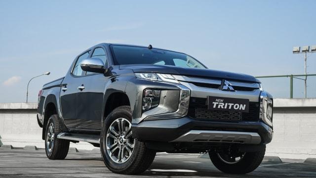 Mitsubishi Triton vs Toyota Hilux, Siapa Jawaranya?  (233578)