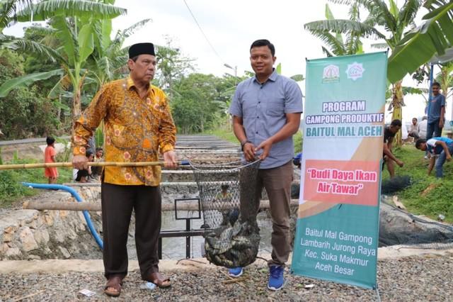 Panen Perdana Budi Daya Ikan Nila Binaan Baitul Mal Aceh.jpeg