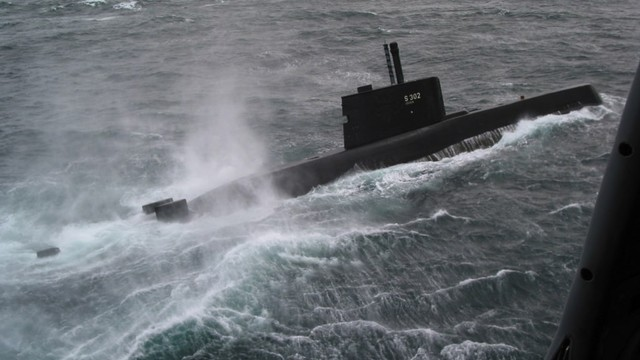 The_Norwegian_ULA_class_submarine_Utstein_(KNM_302)_participates_in_NATO_exercise_Odin-One.jpg