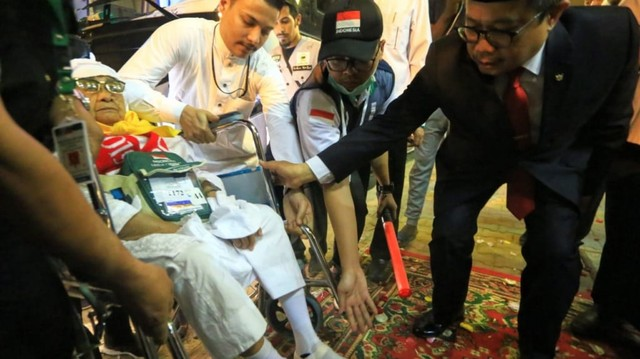 Jemaah Haji Indonesia Disambut Selawat di Makkah (571334)