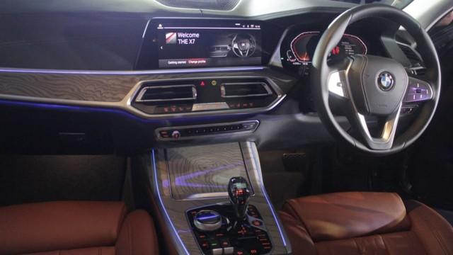 BMW: X7 Beda Kelas dengan Mercedes-Benz GLS (10661)