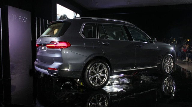 Launching BMW X7 The President