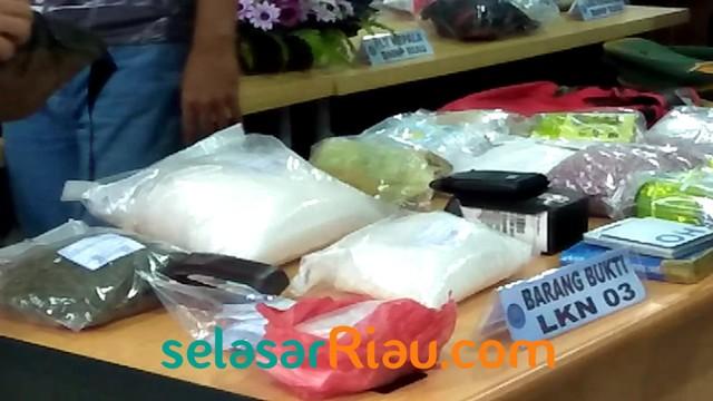 Narkoba BNN Riau .jpg