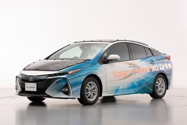 Toyota Prius PHV Tenaga Surya