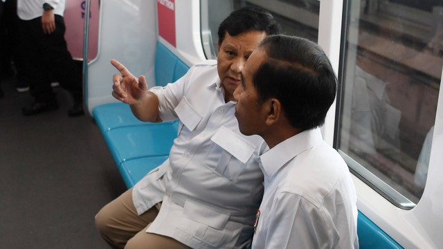 Kemhan soal Prabowo Ajukan Utang Luar Negeri Rp 296 Triliun: Itu Kan Hal Biasa (31262)