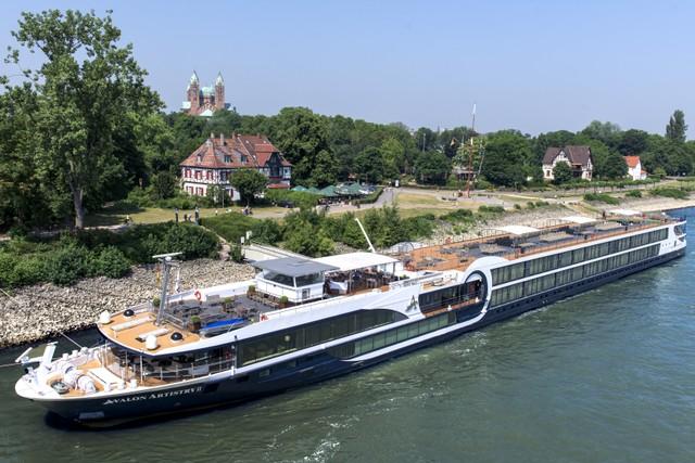 Menyusuri Indahnya Sungai-sungai di Eropa dari Atas Kapal Pesiar Mewah -  kumparan.com