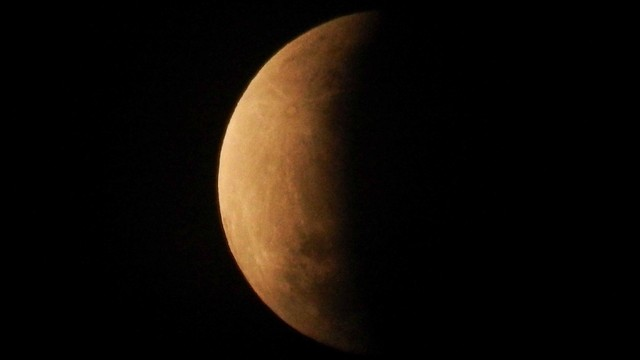 Gerhana Bulan Total, Masjid Istiqlal Akan Gelar Salat Khusuf (447935)