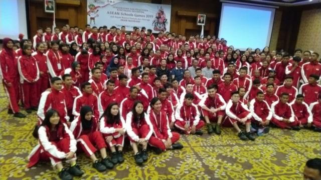 Pengukuhan dan Pelepasan Kontingen Indonesia untuk Asean School Games